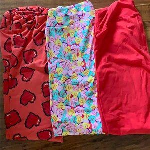 3 pairs OS LuLaRoe heart themed leggings